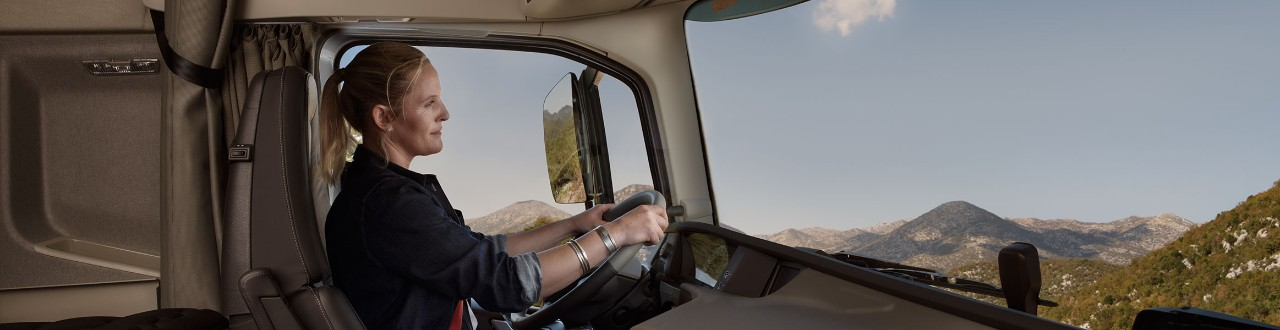 Volvo FH performance and fuel interior
